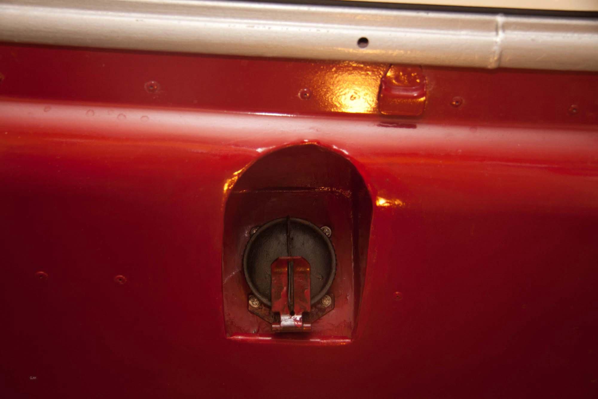 Second fuel tank (1)
